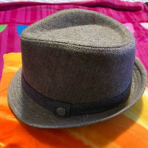 Kids Fedora in great shape. Worn to a wedding only